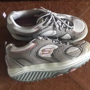 Sketcher shape ups 7.5